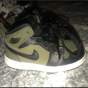 Jordan 1 size 5C